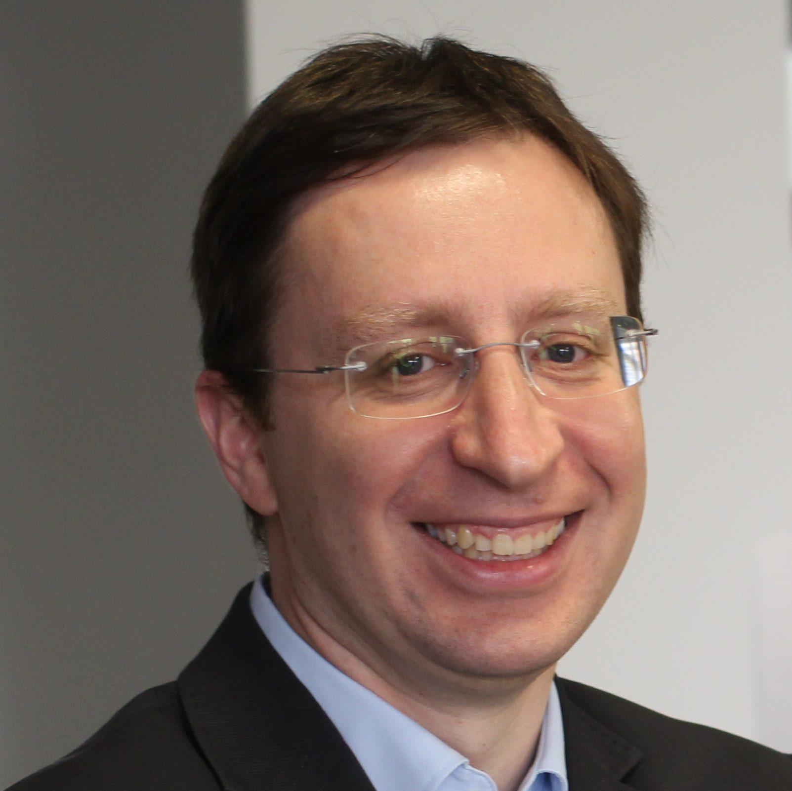 Portrait-Foto von Prof. Dr. Günter Daniel Rey