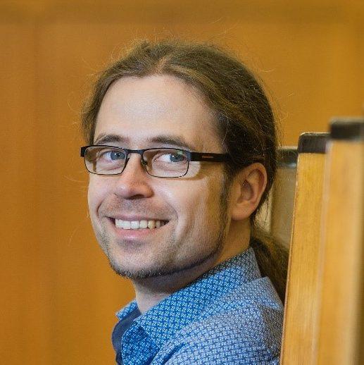 Portrait-Foto von Prof. Dr. Stefan Scherbaum