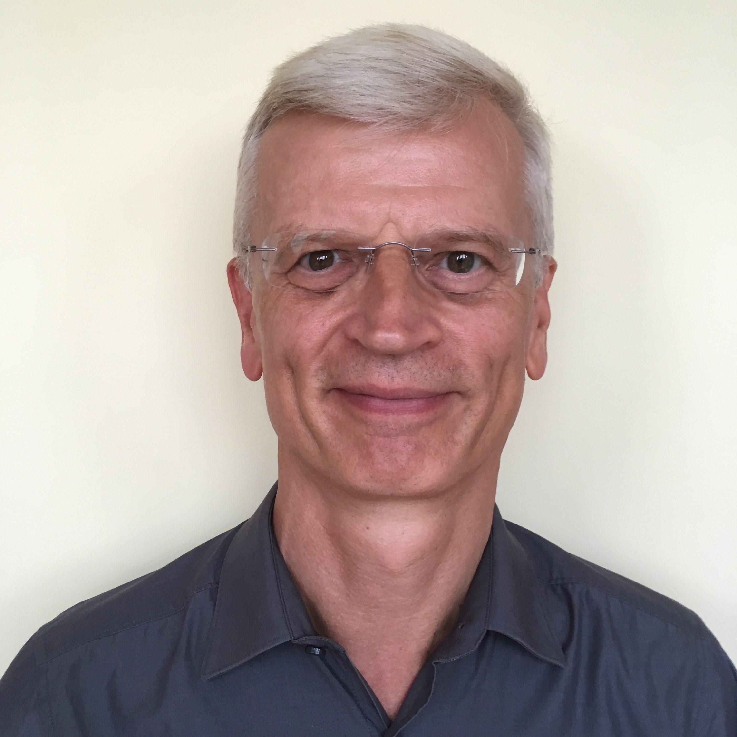 Portrait-Foto von Prof Dr. Ulrich Eisenecker